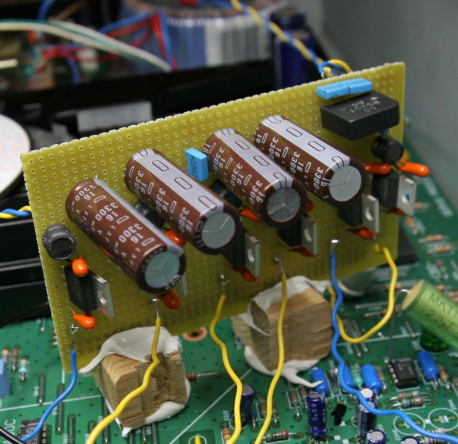 Fikustransport Quartz Clock Circuit Board Just Lift The Pcb From Visit Page I Know It Looks Vulgar And Messy But Is Very Practical Approach Glued Sixpack Vertically Near All These Consumers
